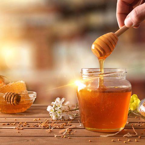 Honig – ein wirksames Hausmittel gegen Halsschmerzen