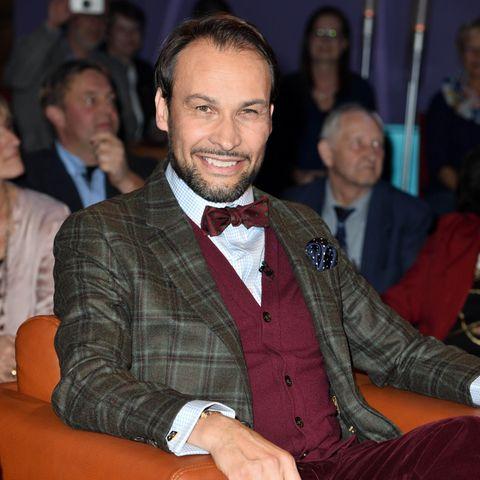 Alexander-Klaus Stecher spielte in zehn Pilcher-Filmen mit, mehr als jeder andere Schauspieler – mal als Liebhaber, mal als Detektiv, mal als Butler.