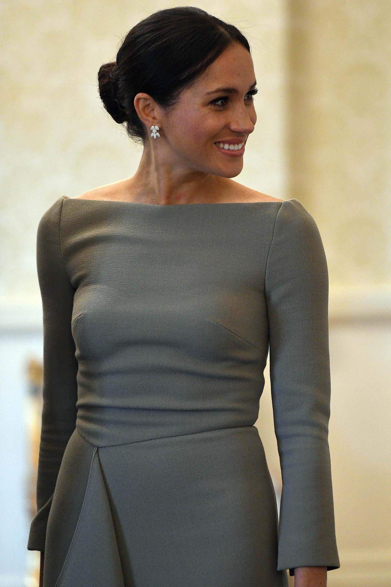 Herzogin Meghan mit einem Chignon