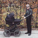 """Peter Maffay  """"Der wahre Rock 'n' Roll!"""", schreibt Peter Maffay zu seinem Instagram-Foto. Der Musiker ist 2018, im hohen Alter von satten 69 Jahren, zum dritten Mal Vater geworden."""