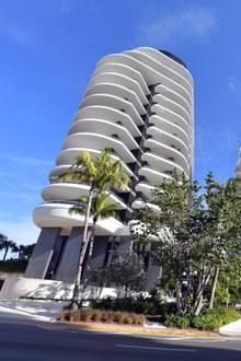 Kanye West kaufte heimlich eine 15Millionen Dollar Wohnung in Miamis schimmernden Milliardär-Strandbunker als Weihnachtsgeschenk für Kim Kardashian