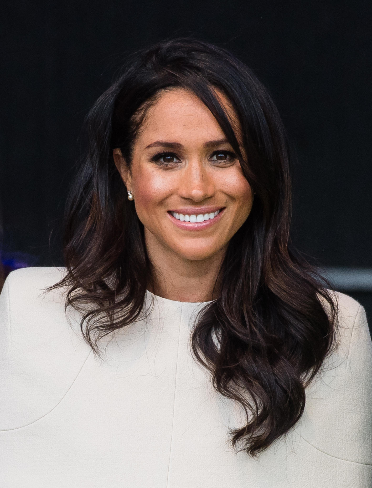 different styles for curly hair f 228 rben t 246 nen str 228 hnen diese royals haben ihre haarfarbe 8779 | haarfarbe meghan markle 02