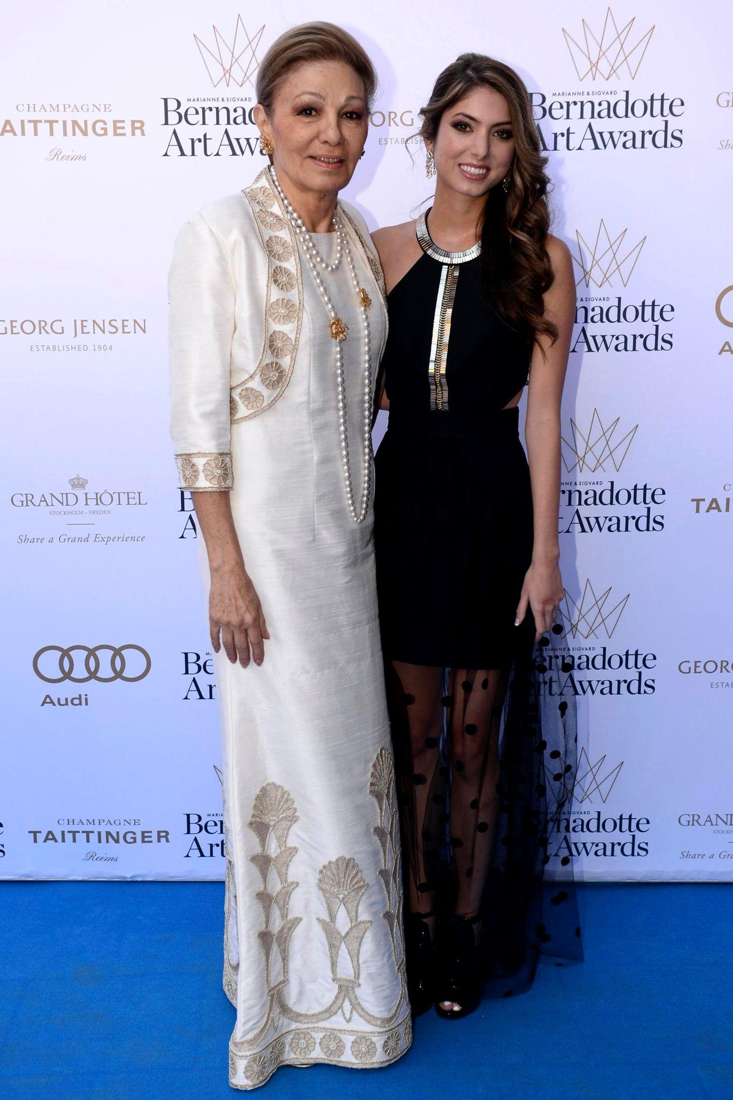 Prinzessin Noor Pahlavi (r.) ist die schöneEnkeltochter von Farah Diba Pahlavi (l.).