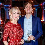 Prinz Oscar von Hannover (r.) ist der uneheliche Sohn von EntertainerinDésirée Nick (l.) und Prinz Heinrich von Hannover - und wartet noch auf die große Liebe.