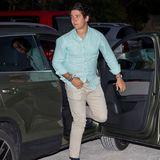 Lässig steigt er aus dem Auto: Juan Felipe Froilánist nach seiner Mutter Vierter in der spanischen Thronfolge - und ein begehrter Junggeselle.