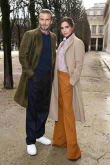 Januar 2018  In Sachen Style macht diesen beiden niemand etwas vor! Zur Paris Fashion Week zeigen sich David und Victoria Beckham in XXL-Mänteln und in gleicher Pose. Der etwas andere Partnerlook.