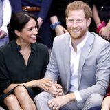 Herzogin Meghan und Prinz Harry schweben zusammen auf Wolke sieben. Nach seiner Traumhochzeit erwartet das Paar schon bald sein erstes Kind.