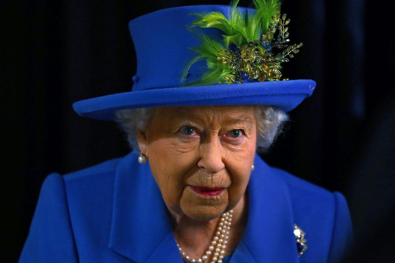 Queen Elizabeth bei einem Treffen mitGCHQ, GroßbritanniensSecurity and Cyber Agency.