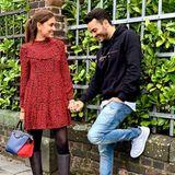 Derweil nutzen Jana Ina und Giovanni Zarrella den Valentinstag für Beziehungstipps und geschickt platzierte Schuhwerbung.