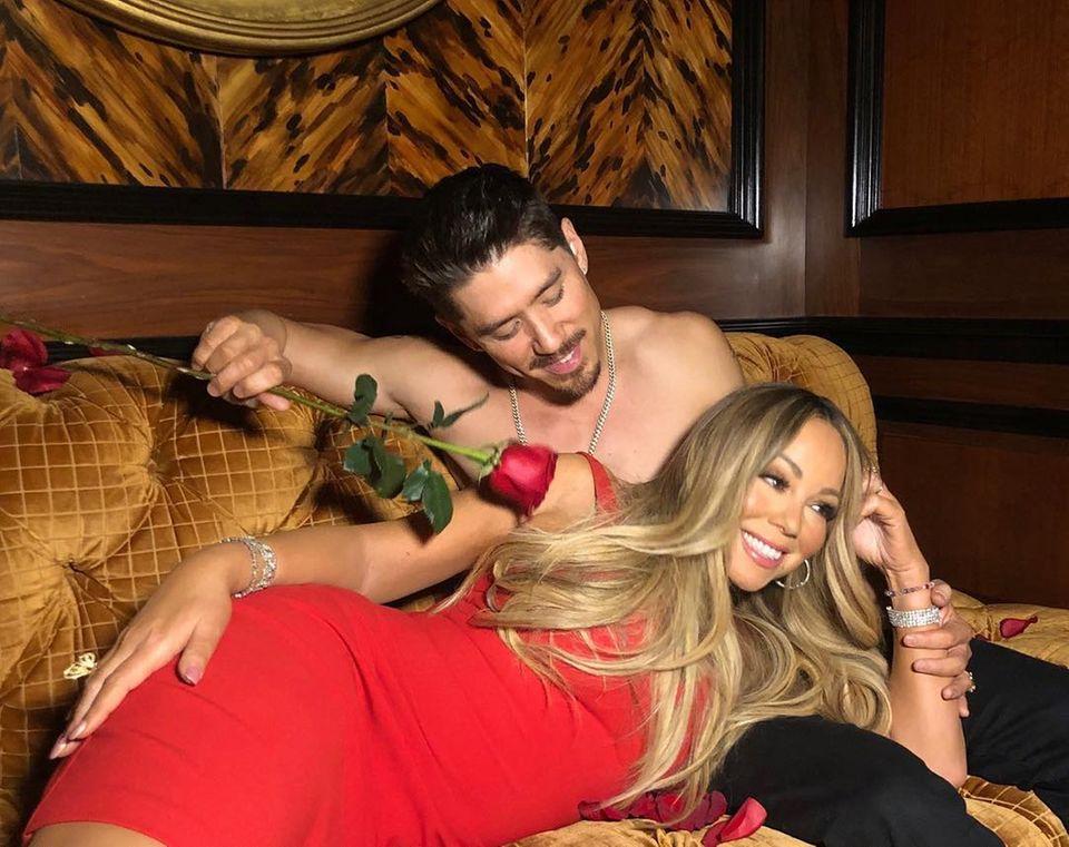 Was wäre der Valentinstag ohne eine dramatische Interpretation der Pop-Diva Mariah Carey? Mit ihrem Toyboy Bryan Tanaka scheint sie einen perfekten Gespielen dafür gefunden zu haben.