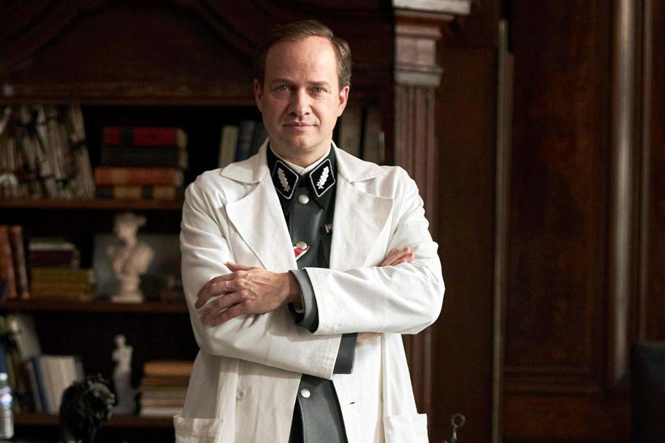 Prof. Max de Crinis, Leiter der Psychatrie