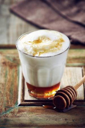 Honigmilch – ein besonders leckeres Hausmittel gegen Husten
