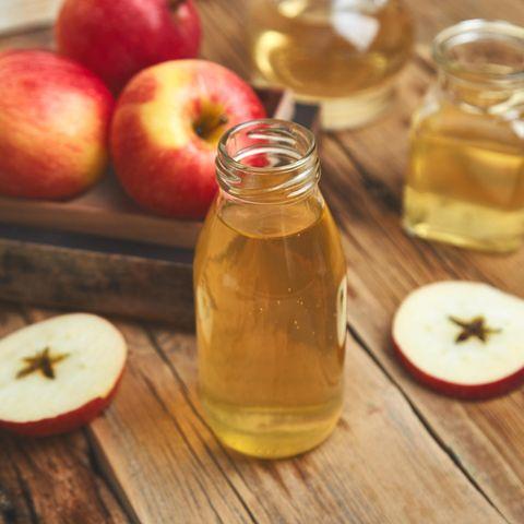 Fieber senken: Apfelessig hilft bei erhöhter Temperatur