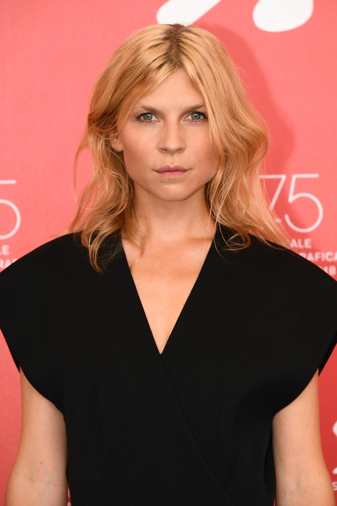 SchauspielerinClémence Poésy trägt French Cut