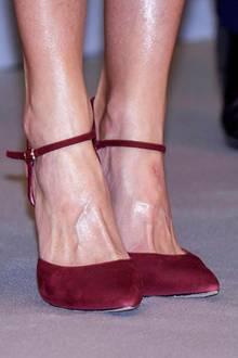 Autsch! Die Wunde an Königin Letizias linkem Fuß sieht ganz nach einer Druckstelle von einem Bootie oder einer Sandalette aus. Ein lästiges Problem, das die ein oder andere Schuhliebhaberin sicherlich nachvollziehen kann.