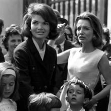 15.Februar 2019: Lee Radziwill (85 Jahre)  Jackie Kennedy-Onassis'jüngere Schwester, hier im Mai 1965, war wie die frühere First Ladyals Stil-Ikone bekannt und geschätzt, und das bis ins hohe Alter. Sie war zeitlebens als Schauspielerin, Autorin und Innenarchitektin tätigund istnun in ihrem New Yorker Haus eingeschlafen.