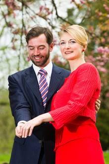 27. April 2012  Guillaume von Luxemburg und Stéphanie de Lannoy geben ihre Verlobung bekannt.
