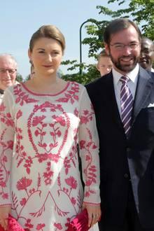 28. Mai 2016  Das Paar feiert die Erstkommunion von Prinz Noah von Nassau.