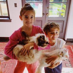 18. Februar 2019  Tochter Anja und Sohn Noah versüßen Alessandra Ambrosio den Tag.
