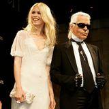 Lagerfeld gilt als Entdecker des früheren Supermodels Claudia Schiffer. Sie wird zu seiner zeitweiligen Muse.