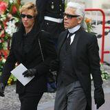 Auch der Beerdigung von Fürst Rainier von Monaco im selben Jahr wohnt er bei.