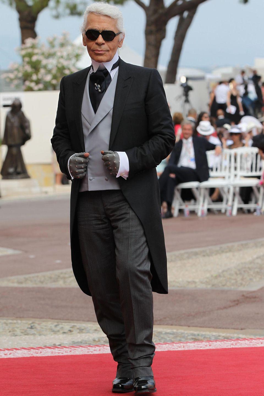 Lagerfeld ist 2011 Gast der Hochzeit von Fürst Albert von Monaco und Fürstin Charlène.