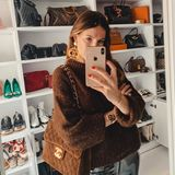 Dieser begehbare Traum gehört Influencerin und Mama-Bloggerin Lena Terlutter. Um diese beachtliche Sammlung an It-Bags und Luxus-Pieces wird sie sicherlich von einigen Frauen beneidet.