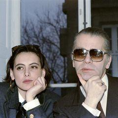 Karl Lagerfeld und seine langjährige Muse, das französische Supermodel Inès de la Fressange, arbeiten seit den Achtziger Jahren eng zusammen.