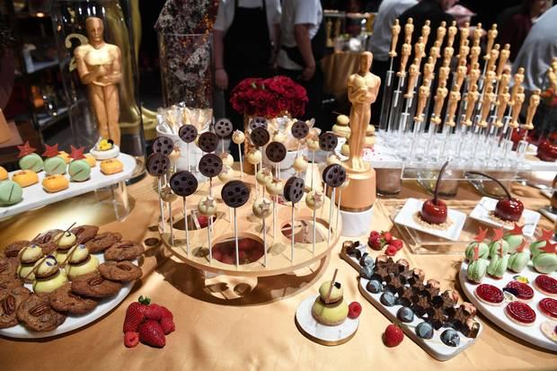 Besonders beliebt sind die mit Schokolade überzogenen Goldjungen.