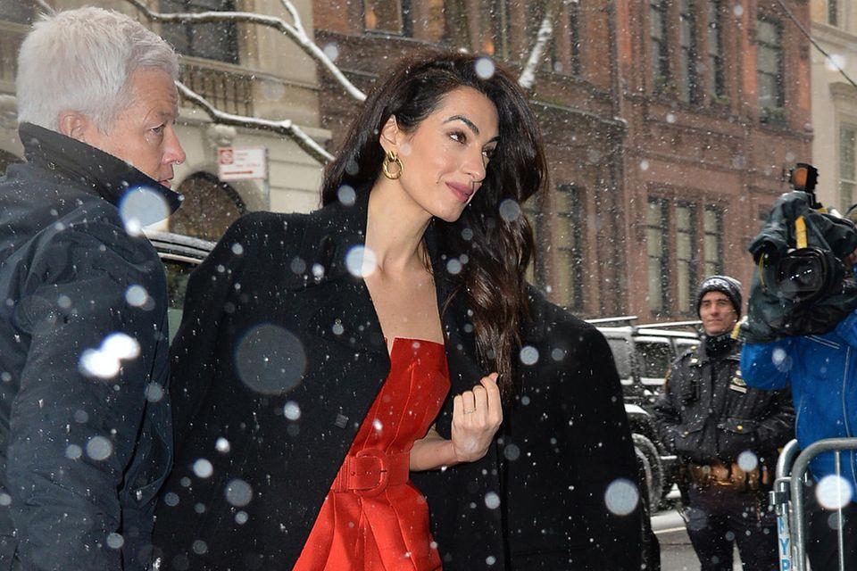 """Amal Clooney erscheint am 19. Februar 2019 zur Babyparty von Herzogin Meghan im """"The Mark Hotel"""" in New York"""
