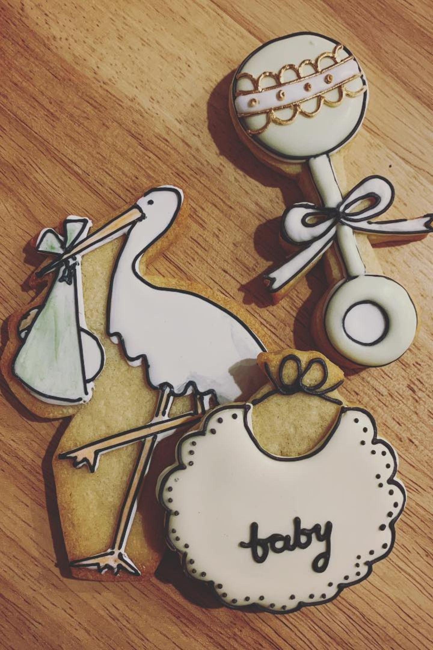 """Ob Jean-Georges Vongerichten unter anderem diese niedlichen Kekse kreiert hat? Daniel Martin veröffentlicht auf Instagram ein Foto der süßen Köstlichkeiten. Dazu schreibt der Make-up-Artist """"So ein unglaublicher Tag um Babylove zu feiern."""""""