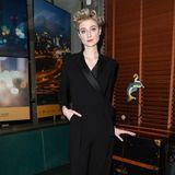 """Elizabeth Debicki besucht im eleganten Smoking das """"Women in Film""""-Dinner von Max Mara."""
