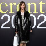 Eva Herzigova besucht die Modenschau von Moncler.