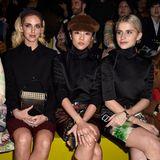 Die einflussreiche Front Row bei Prada: Allein Chiara Ferragni (2. v. l.) und Caro Daur (rechts) haben gemeinsam über 18 Millionen Follower auf Instagram. Sie sitzen neben Tamu McPherson (links) und Yoyo Cao.