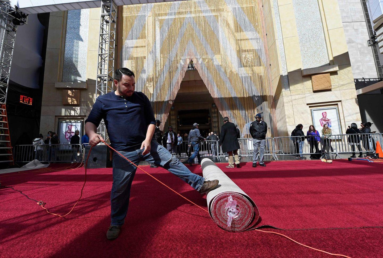 Laut Forbes ist der gesamte Red-Carpet-Bereich vor dem Dolby Theatre ca. 3700 Quadratmeter groß.