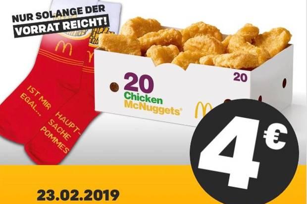 Diese Socken kann man sich bei McDonalds am Samstag gratis sichern