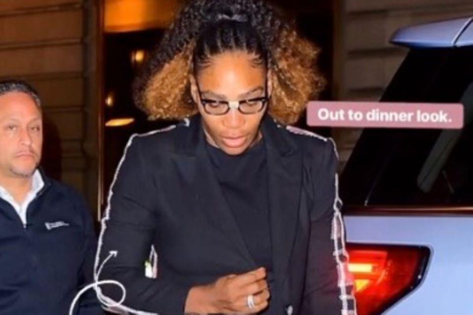 Serena Williams zeigt, woher sie ihren Look hat: von ihrer eigenen Kollektion.