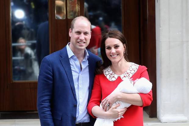 Prinz William, Herzogin Catherine und Prinz Louis vor dem St. Mary's Krankenhaus in London