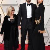 Bradley Cooper mit Mutter Gloria und Irina Shayk in Burberry