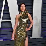 Passend zur Oscar-Nacht zeigt sich auch Vanessa Hudgens in Gold.