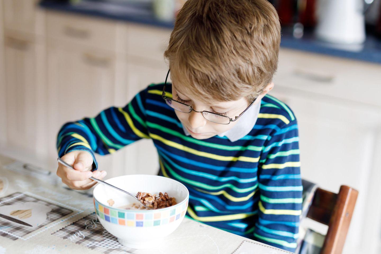 Apfelstiele in Kindermüsli kann gefährlich werden