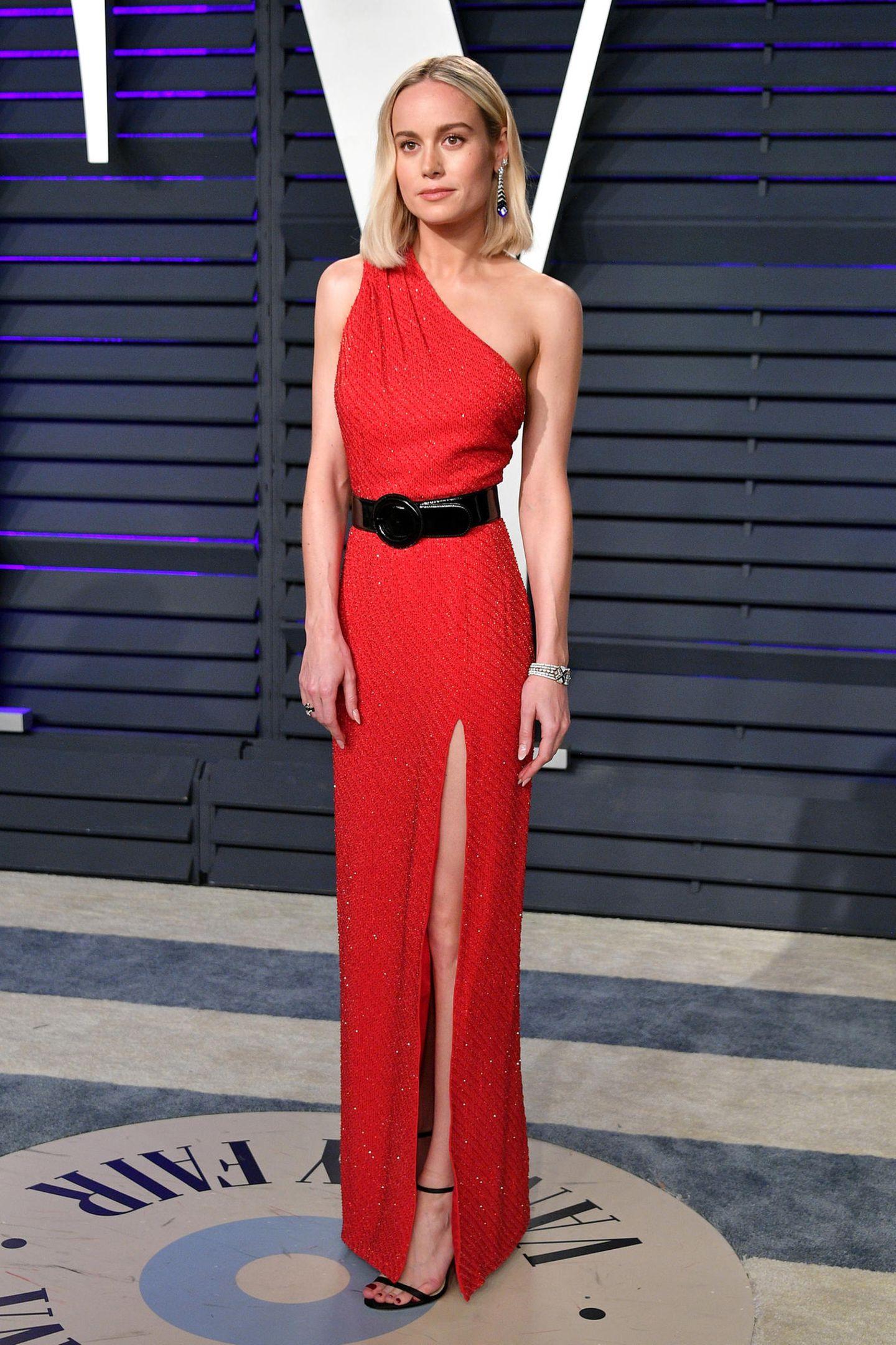 Jetzt in Rot: Brie Larson bei der Vanity Fair Party