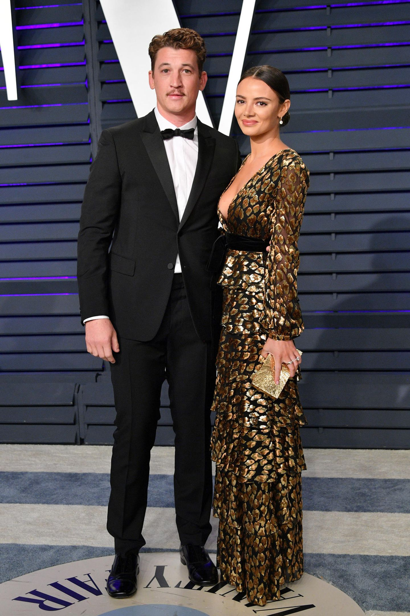 Miles Teller undKeleigh Sperry bekommt man eher selten als Red-Carpet-Couple zu sehen. Umso schöner sehen sie zusammen bei der Party der Vanity Fair aus.