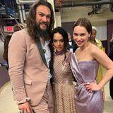 """""""Ich und meine Königinnen"""", postet Jason Momoa. In der Mitte steht seine Ehefrau Lisa Bonet, recht seine ehemalige """"Game of Thrones""""-Kollegin EmiliaClarke."""