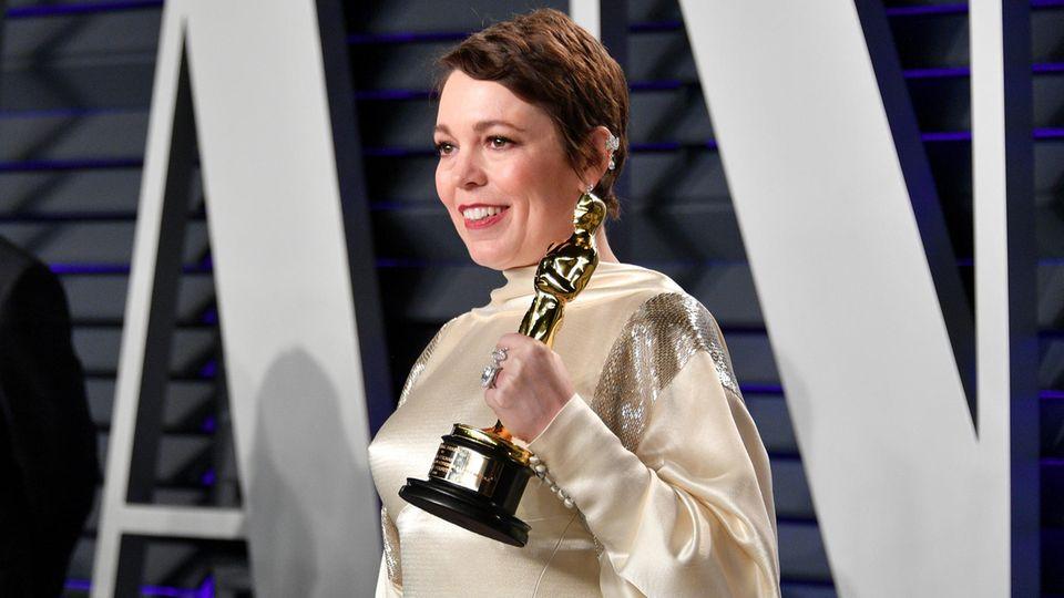 Olivia Colman: Die rührende Geschichte ihres Oscar-Outfits