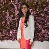 """Suhani Jalota, Unternehmerin  Auf der Award-Verleihung """"Glamour's College of the Year"""" 2016 traf die Frau von Prinz Harry die Gründerin der Myna Mahila Foundation, einem Netzwerk von Frauen, die Hygieneartikel in Indien herstellen und verkaufen.""""Ich bin unglaublich bewegt von Menschen, die so eifrig dabei sind das Leben anderer, besonders Frauen, zu verändern"""", schreibt Meghan in dem Frauenmagazin."""