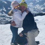 25. Februar 2019  Der Berg ruft! Familie Beckham urlaubt aktuell im Schnee und gibt auf der Skipiste ordentlich Gas. Trotz aller Sportlichkeit bleibt aber auch Zeit fürs Kuscheln. David Beckham veröffentlicht ein niedliches Bild mit Tochter Harper, das die beiden eng umschlungen im Schnee zeigt.