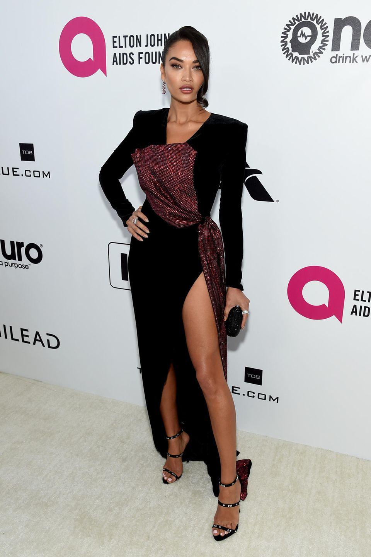 Für die Viewing-Party von Elton John präsentierte sich Shanina Shaik im Abendkleid von Galia Lahav.