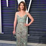 Cobie Smulders bringt frühlingshaften Glamour auf die Party der Vanity Fair.