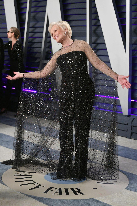 Auch der Party-Look von Glenn Close braucht eine eindrucksvolle Schleppe.